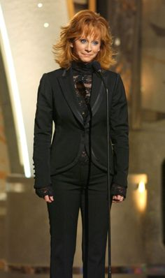 Reba McEntire 2004-11-09  38th Annual Country Music Awards
