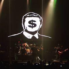 """""""Te maldecimos y nos unimos!!…En el nombre del Rock and Roll!!"""" #cuca #rockysolorock #rocknroll #enriquepeñanieto #corrupto #pri #narcogobierno #ratero #concierto #mexican #mexico #rock..."""