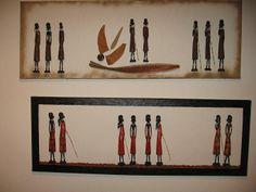 jeweils 8 rote und braune handgeschnitzte Massaii auf Acryl und Keilrahmen.