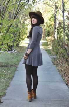 brown lace up boots Hibou boots - heather gray skater Urban Outfitters dress Source by juvenil femenina moda bajitas Winter Fashion Outfits, Fall Winter Outfits, Look Fashion, Autumn Fashion, Dress Fashion, Simple Outfits, Casual Outfits, Teenager Fashion Trends, Vetement Fashion