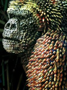 Funny pictures about Gorilla Sculpture Made From Colored Pencils. Oh, and cool pics about Gorilla Sculpture Made From Colored Pencils. Also, Gorilla Sculpture Made From Colored Pencils photos. Unusual Art, Unique Art, Instalation Art, Wow Art, Recycled Art, Art Plastique, Land Art, Pencil Art, Pencil Drawings