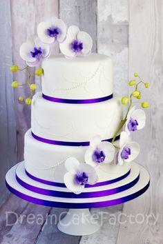 simpel og fin bryllupskage