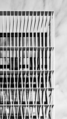 colectivo21:  Pencil Office - A Simple Factory Building | Ayra...
