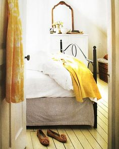 A Relaxing Bedroom of Sunshine