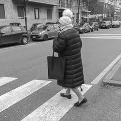 Abbey Road  #milano #milan #streetphotography #urban #people #photography #monochrome #blackandwhite #blancoynegro #biancoenero #photoblog #noiretblanc