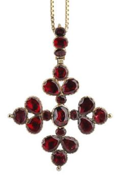 A Georgian garnet cross pendant