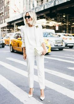 How To Wear White Blazer Work Outfits Street Styles Ideas Date Night Outfit Summer, Summer Work Outfits, Office Outfits, Night Outfits, Business Casual Attire For Women, Business Outfit Frau, All White Outfit, White Outfits, White Dress