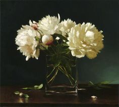 Love Sarah Lamb's fresh still lifes - especially her florals.