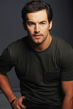 images of Giacomo Gianniotti Grey's Anatomy, Pretty People, Beautiful People, Greys Anatomy Characters, Hot Doctor, Mark Sloan, Mr Right, Let's Get Married, Jesse Williams