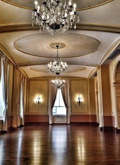 The Colony Club, Detroit, MI 4th Floor. The room I'll get married in!!!
