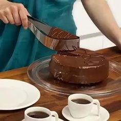 Slice those cake perfectly like a pro and place it elegantly on a plate with the new Perfect Cake Slicer. This tool helps you achieved even slices fast & easy, now everyone in the family gets the same size & shape cut Cool Kitchen Gadgets, Cool Kitchens, Kitchen Tools, Kitchen Decor, Cake Slicer, Cake Recipes, Dessert Recipes, Cake Cutters, Cooking Gadgets