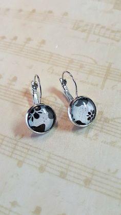 Dangle Earrings ~ Silver tone Dangle Earrings ~ Black and White Floral Drop Earrings ~ Women's Monochrome Earrings ~ Women's Earrings by MissGawdysJewelry on Etsy https://www.etsy.com/listing/269878043/dangle-earrings-silver-tone-dangle