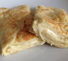 O Pão de Queijo de Frigideira é delicioso e também muito fácil e rápido de…