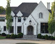 5 Reasons To Choose Classico Limewash from ACME Brick Exterior Paint, Exterior Design, Interior And Exterior, White Wash Brick Exterior, Acme Brick, White Brick Houses, Casa Loft, Casa Real, Dream House Exterior