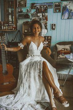 Vestido Maxi Estilo Hippie - Lilly is Love Wedding Dress Mermaid Lace, Boho Wedding Dress With Sleeves, Indie Wedding Dress, Wedding Dresses Near Me, Boho Wedding Dress Bohemian, Bohemian Mode, Cheap Wedding Dress, Bridal Dresses, Wedding Gowns