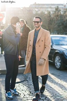 Inspiring outfits spotted from the most stylish men during international fashion shows. Get inspiration from the best mens street style looks on the street.