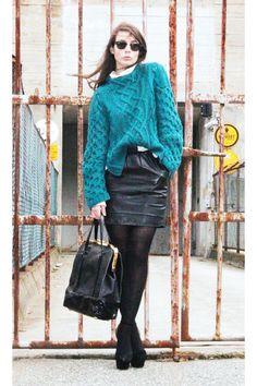Chunky sweater, pencil skirt.