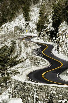 Carretera en invierno en Port Jervis, New York