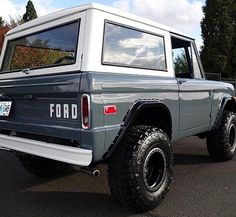 French Fashion Tips 1970 Ford Bronco for sale near Tampa Florida 33629 - Classics on Autotrader.French Fashion Tips 1970 Ford Bronco for sale near Tampa Florida 33629 - Classics on Autotrader Classic Ford Broncos, Ford Classic Cars, Classic Trucks, Chevy Classic, Jeep Gladiator, Old Trucks, Chevy Trucks, Lifted Trucks, Pickup Trucks