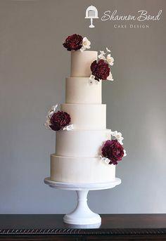 Buttercream Wedding cake with sugar flowers / Shannon Bond Cake Design | Kansas City wedding and custom cakes | Wedding Cakes. www.sbcakedesign.com