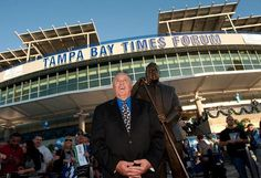 Phil Esposito statue unveiled outside Tampa Bay Times Forum
