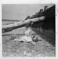 Lunch hour on Seaford beach. Seaford Beach, Newhaven, House, Lunch, Painting, Image, Books, Livros, Libros