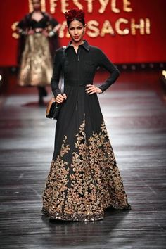 Sabyasachi creation - would look bomb in RED! India Fashion, Ethnic Fashion, Asian Fashion, High Fashion, Pakistani Outfits, Indian Outfits, Indian Dresses, Tela Hindu, Indie Mode
