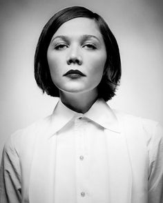 Black and White Photography Portrait of Maggie Gyllenhaal Maggie Gyllenhaal, Susan Sontag, Divas, Hollywood, Interesting Faces, Portrait Inspiration, Famous Faces, Look Fashion, Looking For Women