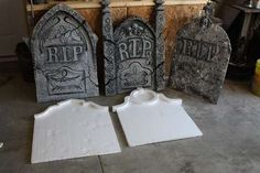 Learn to make a DIY Halloween graveyard! Creating a Halloween graveyard in your front yard lets you share your fun and freaky side with your neighbors. Halloween Prop, Noche Halloween, Diy Halloween Graveyard, Halloween Outside, Homemade Halloween, Outdoor Halloween, Diy Halloween Decorations, Holidays Halloween, Halloween Crafts