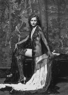 ann lee patterson, ziegfeld girl. costume design by erte.