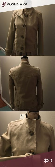 NWOT Old Navy blazer Canvas shirt military style blazer from OldNavy, never worn, size small, big buttons and nice detail with button at sleeve and bottom. Very cute, nice weight Old Navy Jackets & Coats Blazers