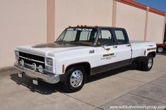 1979 GMC Cannonball Run replica dually. Lowered Trucks, Dually Trucks, Hot Rod Trucks, Lifted Trucks, Pickup Car, Classic Pickup Trucks, Pick Up, Old Chevy Pickups, Chevy Pickup Trucks