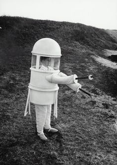 "A suit built in 1960 by the Republic Aviation Corporation solved the problem of what ""the well-dressed man"" would ""wear for a stroll over the airless moonscape."""