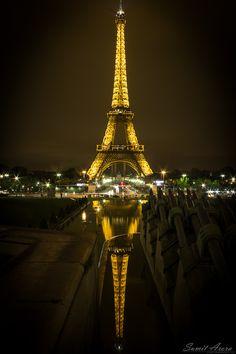 donde se mira a besos donde se ama en silencio y se quiere a gritos donde se calan lo huesos a besos donde se ama sin prejuicios ni orgullo París la de mis deseos infinitos