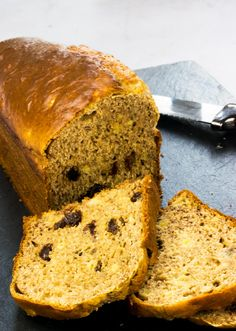 This Best Ever Low Syn Banana Bread is the ultimate Slimming World cake recipe, ideal for pudding or as a healthy snack to satisfy your sweet tooth. astuce recette minceur girl world world recipes world snacks Best Banana Bread, Banana Bread Recipes, Cake Recipes, Slimming World Banana Cake, Slimming World Desserts Puddings, Dried Raisins, Slimming World Recipes Syn Free, Baked Alaska, Good Healthy Recipes