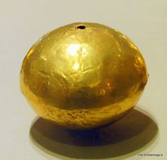 A Late Bronze Age gold ball from Tumna, Co. Roscommon, Ireland, c. 800-700 BC