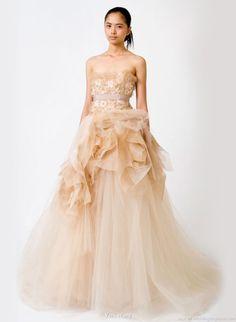 Peach Wedding Gown by Vera Wang #Georgia #Peach #Wedding