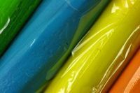 Fimo clay is a brand of polymer clay. Polymer clay, or polyvinyl chloride, is a plastic-based clay that does not harden until it is baked in an oven. Fimo Polymer Clay, Polymer Clay Miniatures, Polymer Clay Projects, Polymer Clay Creations, Corn Starch Crafts, Baking Clay, Porcelain Clay, Cold Porcelain, Painted Porcelain