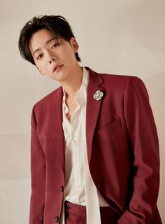 Kim Jin Woo, five years since his debut with WINNER, has at last released his first solo album. Winner Kpop, Winner Jinwoo, Winner Winner, Yg Groups, Asian Boy Band, Song Mino, Kim Jin, Perfect Boy, Korean Star