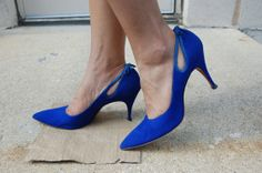 Hey, I found this really awesome Etsy listing at https://www.etsy.com/listing/158334999/1960s-electric-blue-suede-heels-size-8