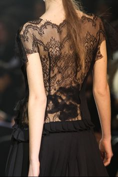 love all but especially the lace and pleats..