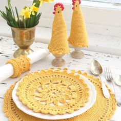 """""""Easter is the perfect ocassion to have lots of family time! And you can make your #Easter dinners extra special with these #handmade table accessories!…"""""""