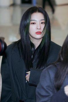 Photo album containing 25 pictures of Seulgi South Korean Girls, Korean Girl Groups, Girls Holding Hands, Red Velvet Seulgi, Korean Makeup, Green Hair, Kpop Girls, Asian Girl, Sparkle
