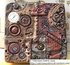 Polymer clay steampunk tin by ValerianaSolaris on DeviantArt. aluminium tin covered it with Fimo/polymer clay. claystamped, textured, dusted with Pearl Ex pigments and embellished with clock parts. After baking, the whole thing received an patina Polymer Clay Kunst, Fimo Clay, Polymer Clay Projects, Polymer Clay Creations, Polymer Clay Jewelry, Polymer Clay Steampunk, Steampunk Crafts, Diy Fimo, Steampunk Accessoires