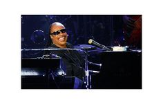Stevie Wonder pays tribute to Jackson at the Montreal International Jazz Festival