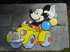 vintage mickey mouse Mickey And Minnie Love, Mickey Mouse Club, Vintage Mickey Mouse, Mickey Mouse And Friends, Walt Disney, Disney Magic, Disney Mickey, Disney Art, Disney Pictures