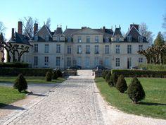 Château du Mesnil Saint Denis dans les Yvelines - France