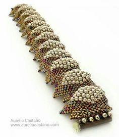 www.facebook.com/Aurelio-clau