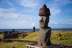Les mystères de l'Ile de Pâques Nazca Lines, Easter Island, Stonehenge, Ancient Aliens, Garden Sculpture, Photos, Architecture, Outdoor Decor, Chili