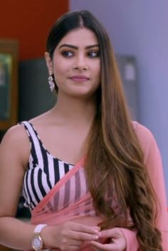 Indian Actress Hot Pics, Most Beautiful Indian Actress, Indian Actresses, Yeh Hai Mohabbatein, Beautiful Saree, Beautiful Bride, Bollywood Actress, Krishna, Girls